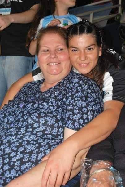 Ana Coronel y mamá