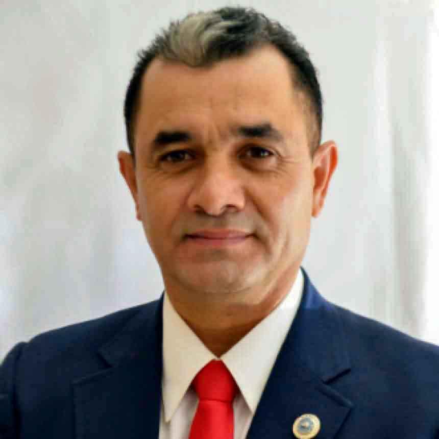 Mr.Carlos Antonio Olmos Otero