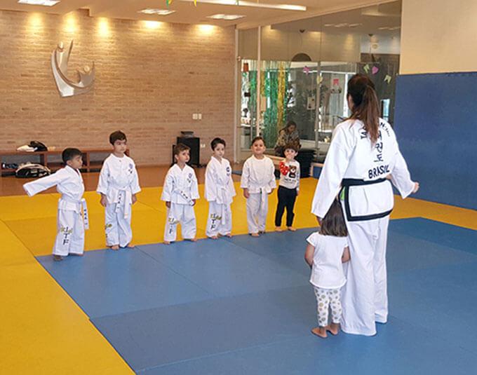 Online-International-Kids-Course-Spanish-Line-up